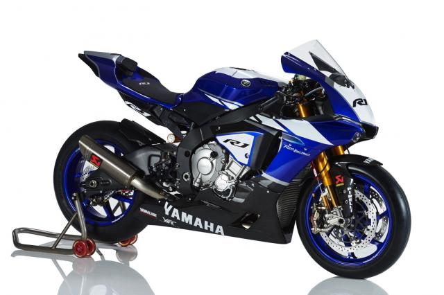2015 yamaha r1 factory says hello world video 2
