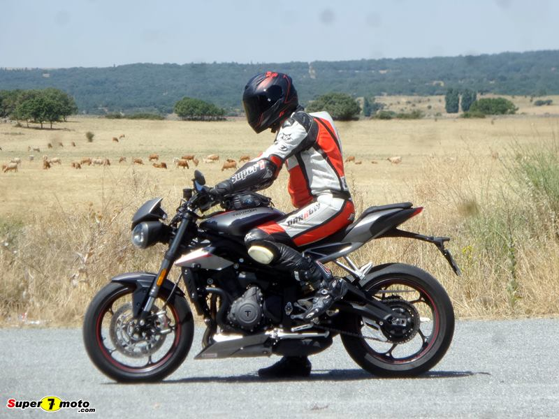 TriumphStreetTriple765RS 02